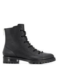 schwarze flache Stiefel mit einer Schnürung aus Leder von Jimmy Choo
