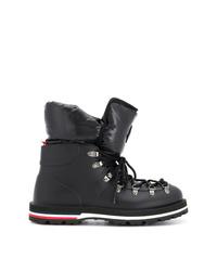schwarze flache Stiefel mit einer Schnürung aus Leder von Moncler