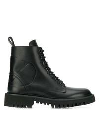 schwarze flache Stiefel mit einer Schnürung aus Leder von Valentino