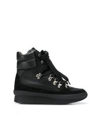 schwarze flache Stiefel mit einer Schnürung aus Wildleder von Isabel Marant