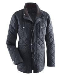 schwarze gesteppte Jacke mit einer Kentkragen und Knöpfen von Classic