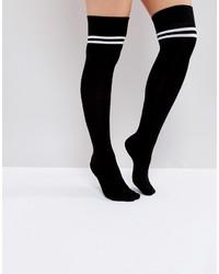 schwarze horizontal gestreifte hohen Socken von Asos