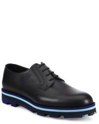 schwarze horizontal gestreifte Leder Derby Schuhe