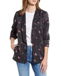schwarze Jacke mit einer offenen Front mit Blumenmuster