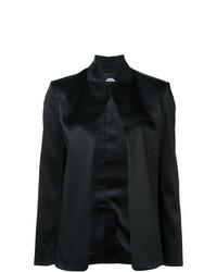 schwarze Jacke mit einer offenen Front