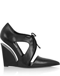 schwarze Keilpumps aus Leder von Balenciaga