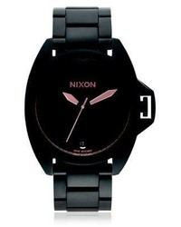 schwarze keramische Uhr