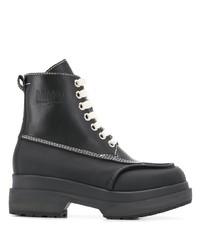 schwarze klobige flache Stiefel mit einer Schnürung aus Leder von MM6 MAISON MARGIELA