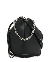 schwarze Leder Beuteltasche von Alexander McQueen