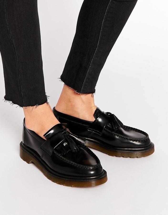 ddf46de5bb01 schwarze Leder Slipper mit Quasten von Dr. Martens   Wo zu kaufen ...
