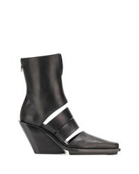 schwarze Leder Stiefeletten mit Ausschnitten von Ann Demeulemeester