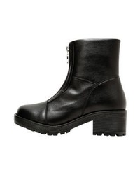 schwarze Leder Stiefeletten von Moschino