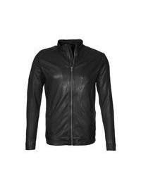 schwarze Lederjacke mit einer kentkragen und knöpfen