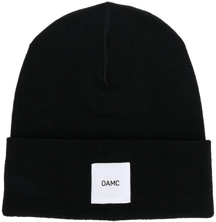 schwarze Mütze von Oamc