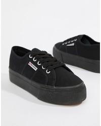 schwarze niedrige Sneakers von Superga