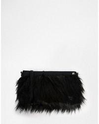 schwarze Pelz Clutch von French Connection