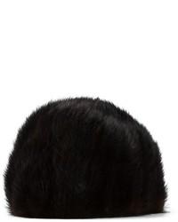 schwarze Pelzkappe