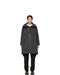 schwarze Regenjacke von Bottega Veneta