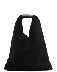 schwarze Shopper Tasche aus Pelz von MM6 MAISON MARGIELA