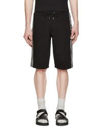 schwarze Shorts von McQ