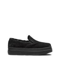 schwarze Slip-On Sneakers aus Wildleder von Prada