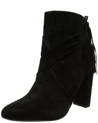 schwarze Stiefel von Molly Bracken