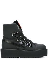 schwarze Stiefel von Puma