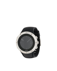 schwarze Uhr von Suunto