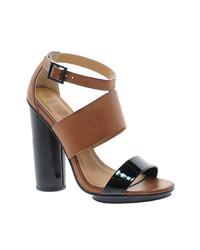 schwarze und gelbbraune Leder Sandaletten von Asos