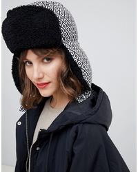 schwarze und weiße bedruckte Mütze von ASOS DESIGN