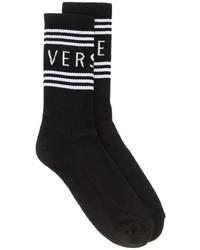 schwarze und weiße bedruckte Socken von Versace