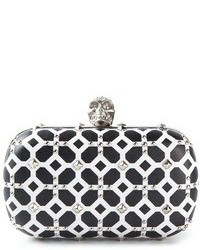 schwarze und weiße Clutch mit geometrischen Mustern von Alexander McQueen