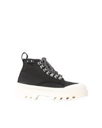 schwarze und weiße flache Stiefel mit einer Schnürung aus Leder von Proenza Schouler