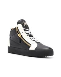schwarze und weiße hohe Sneakers aus Leder