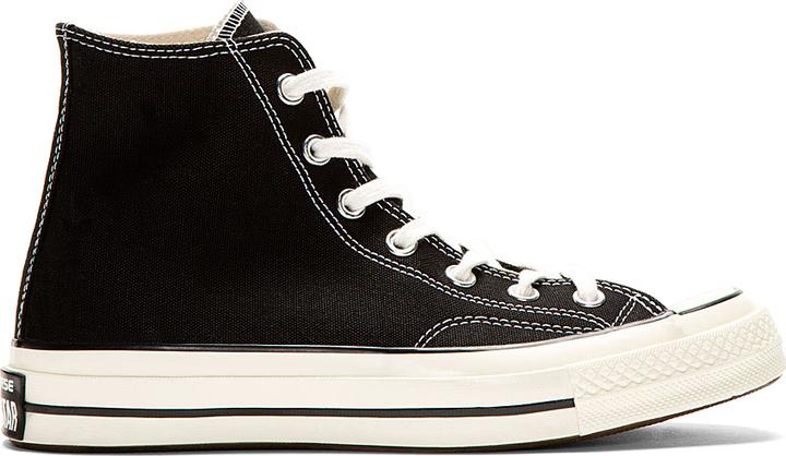 reputable site 5d63e 023ec schwarze und weiße hohe Sneakers aus Segeltuch von Converse