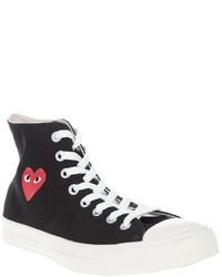 schwarze und weiße hohe Sneakers