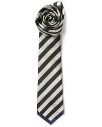 schwarze und weiße horizontal gestreifte Krawatte