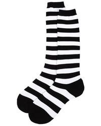 schwarze und weiße horizontal gestreifte Socken