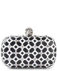 schwarze und weiße Leder Clutch mit geometrischen Mustern von Alexander McQueen