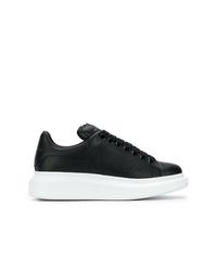 schwarze und weiße Leder niedrige Sneakers von Alexander McQueen