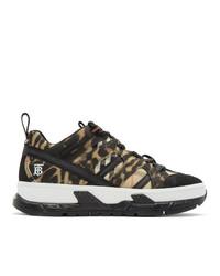 schwarze und weiße niedrige Sneakers mit Karomuster von Burberry