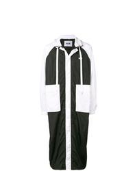 schwarze und weiße Regenjacke von MSGM
