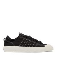 schwarze und weiße Segeltuch niedrige Sneakers von adidas Originals