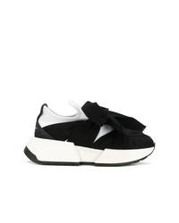 schwarze und weiße Sportschuhe von MM6 MAISON MARGIELA