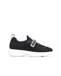 schwarze und weiße Sportschuhe von Prada