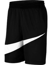 schwarze und weiße Sportshorts von Nike