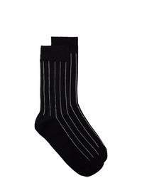 schwarze vertikal gestreifte Socken