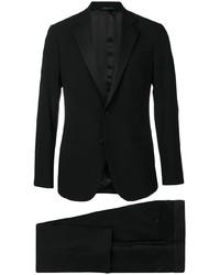 schwarzer Anzug von Giorgio Armani