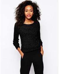 schwarzer flauschiger Pullover mit einem Rundhalsausschnitt von Vero Moda