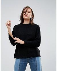 schwarzer flauschiger Pullover mit einem Rundhalsausschnitt von YMC